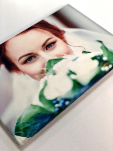 Печать холста 30х45 см с натяжкой на сосновый подрамник и покрытием лаком