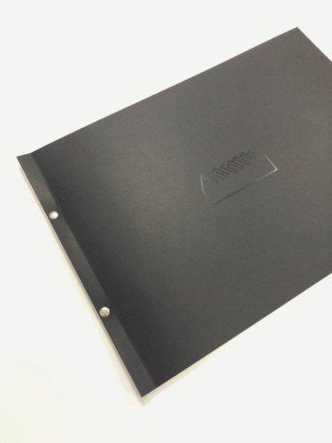 Болтовой переплет альбома формата А3 с мягкой обложкой из черного картона и открытым корешком