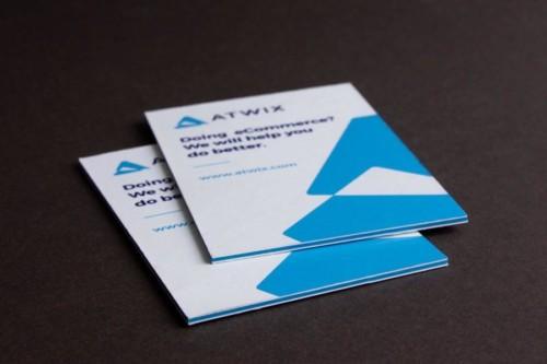 Трехслойные визитки. Наружные слои - бумага Heaven 42 плотностью 270 г/м2. Средний слой - Colorplan Tabriz blue